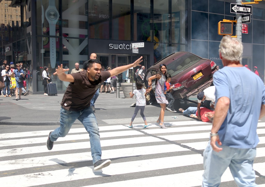 IMAGE: Suspect of the Times Square car crash run away