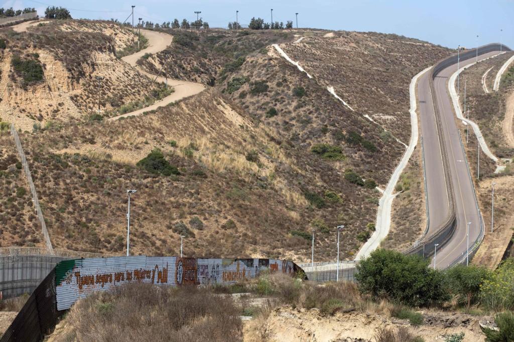 Image: Mexico border wall