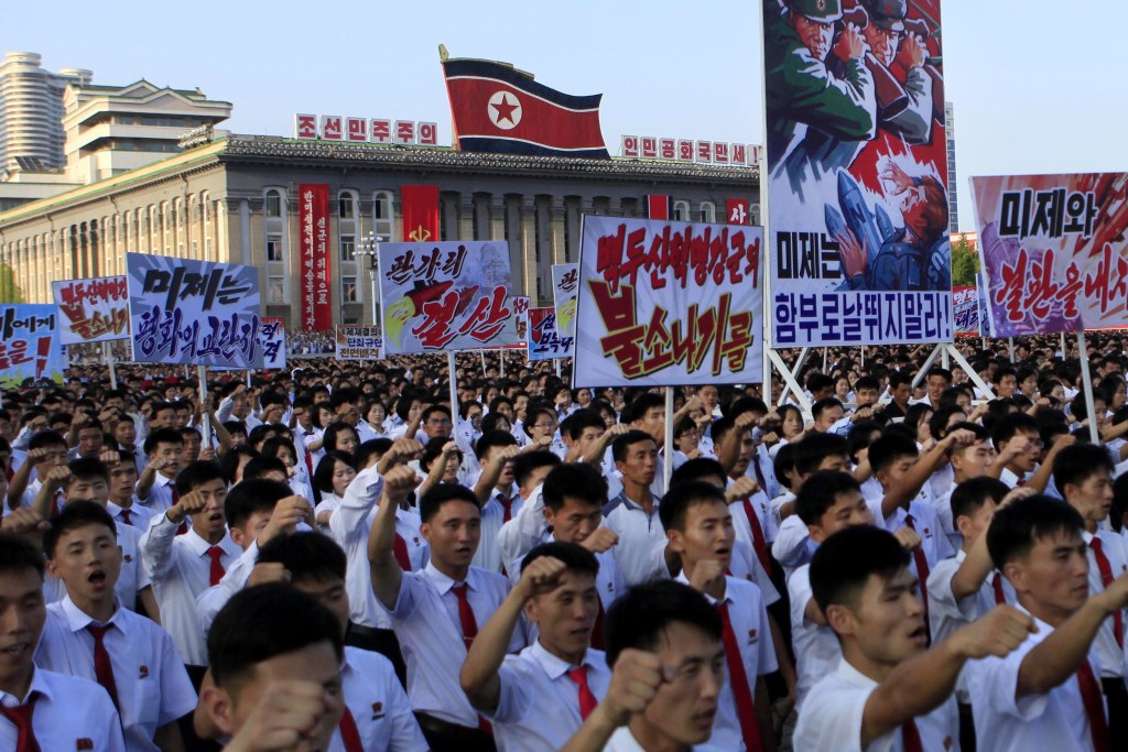 Image: Thousands of North Koreans gather for a rally at Pyongyang's Kim Il Sung Square