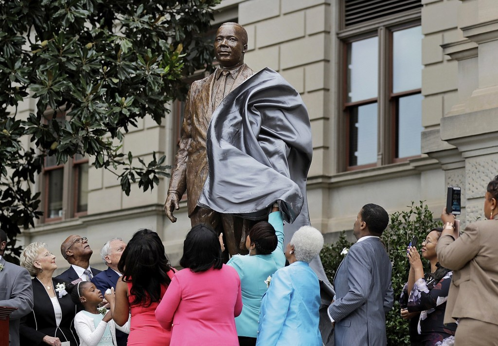 Martin Luther King Jr. Statue Unveiled in Atlanta