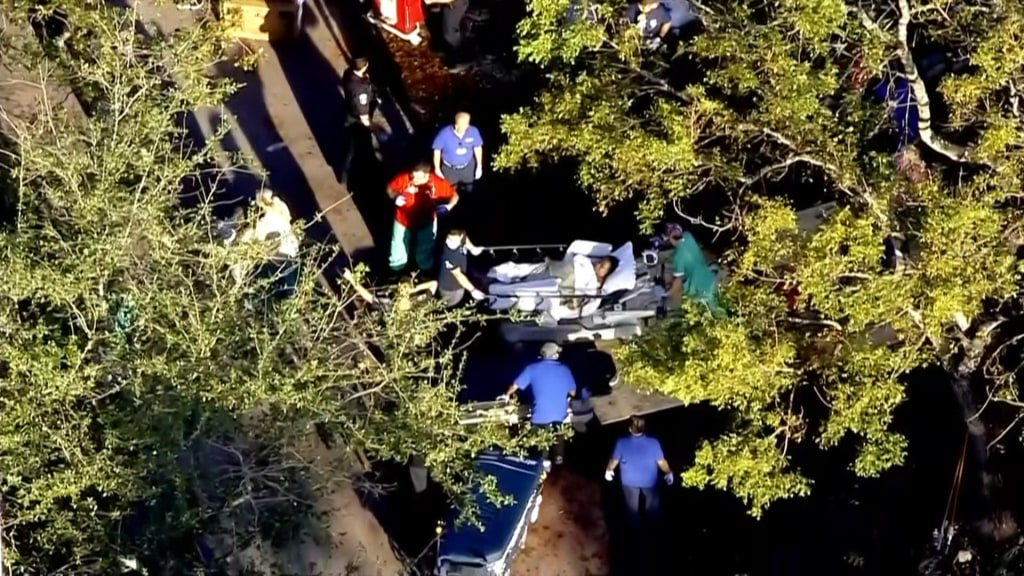 Image: Nursing home evacuated in Florida