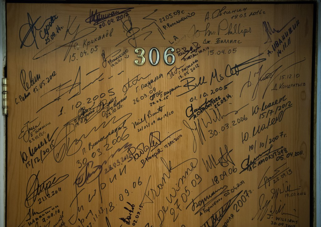 Expedition 53 Door Signing