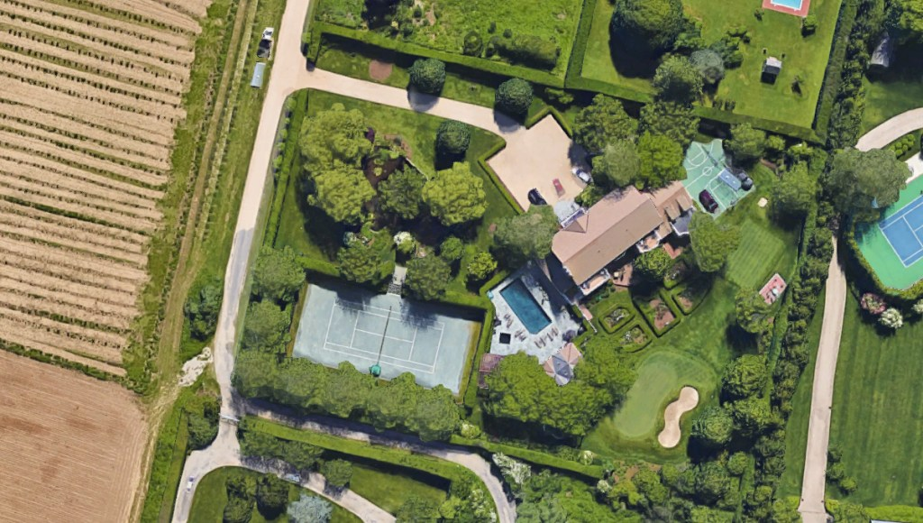 Image: A satellite view of Paul Manafort's home in Bridgehampton, N.Y.