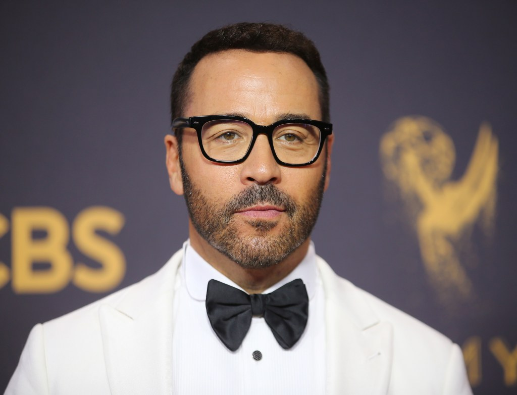 Image: Jeremy Piven attends the Emmy Awards