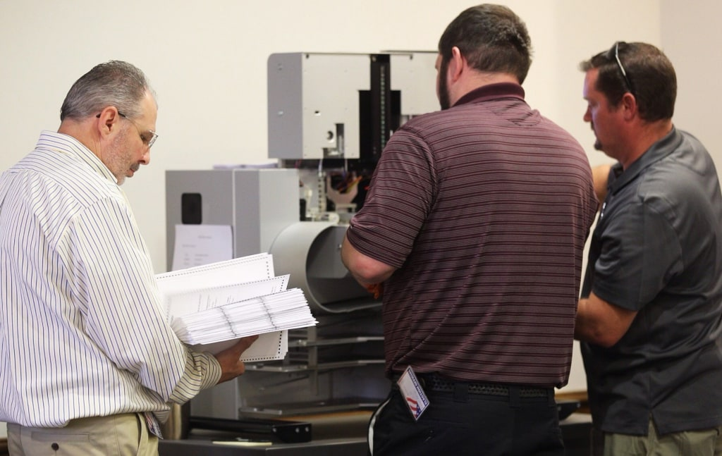 Image: recount the ballots during the Newport News 94th district recount