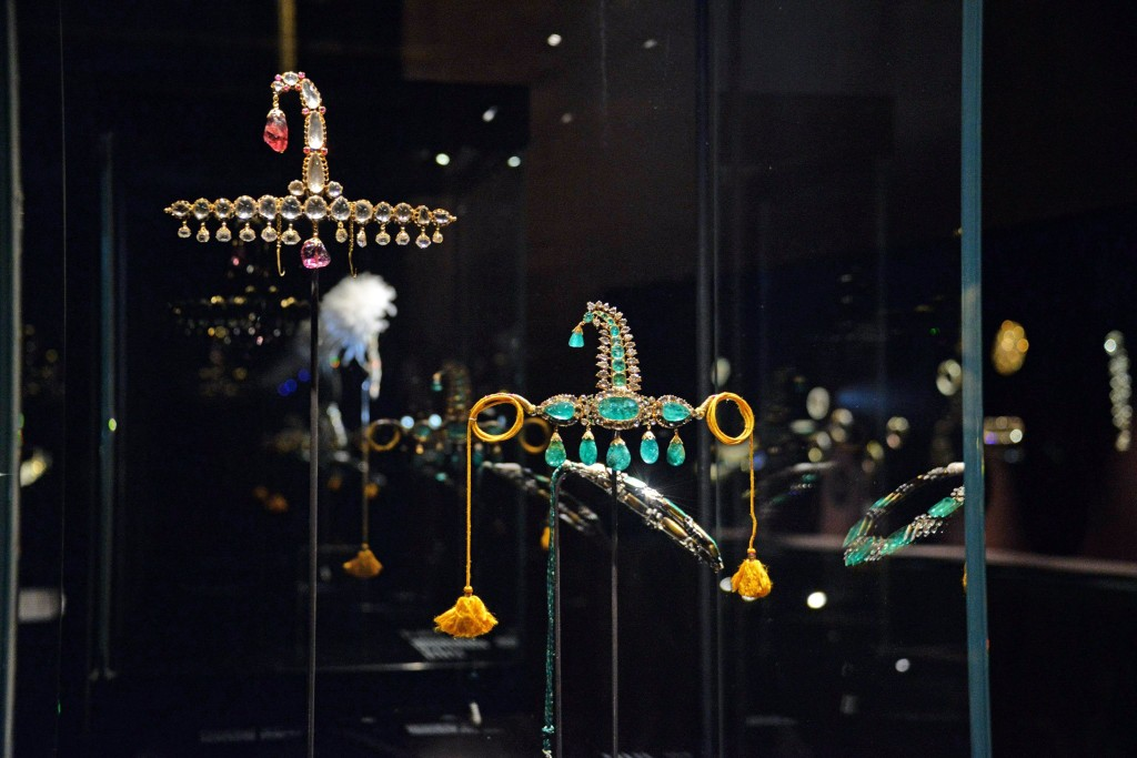 """Image: Jewels from the exhibit, """"Treasures of the Mughals and the Maharajas"""" on display at the Doge's Palace"""