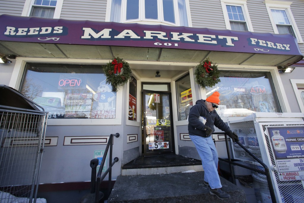 Image: The Reeds Ferry Market convenience store in Merrimack, N.H. sold the winning Powerball ticket