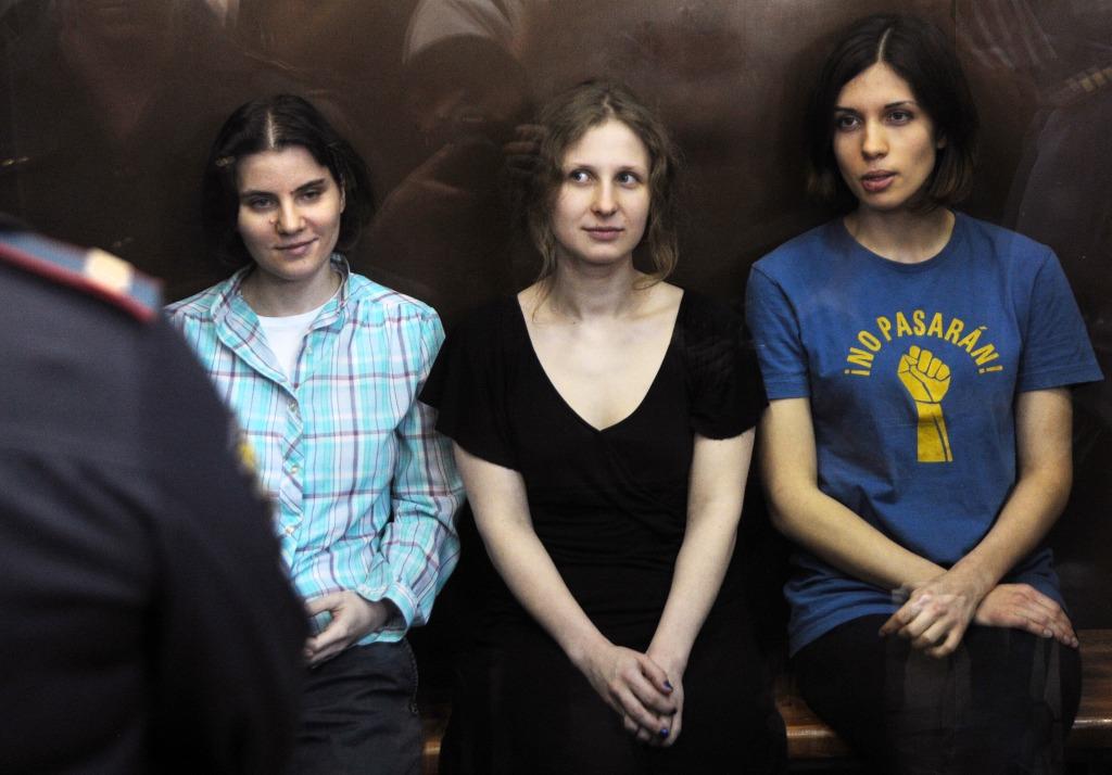 Image: Yekaterina Samutsevich, Maria Alyokhina and Nadezhda Tolokonnikova