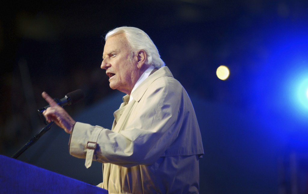 Image: Billy Graham makes his last mission to California