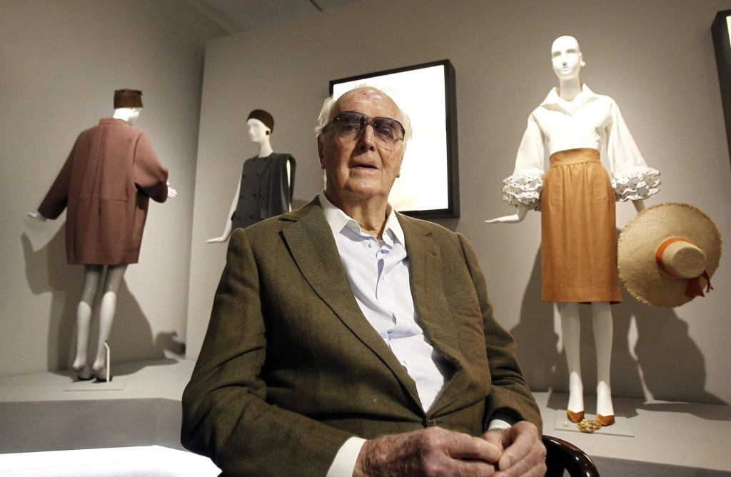 180312-hubert_de_givenchy-mc-1355_e9219f30fcafb7a370a4b1c77f9b5b9c.nbcnews-ux-1024-900 Fashion Icon Hubert de Givenchy dies at 91 people