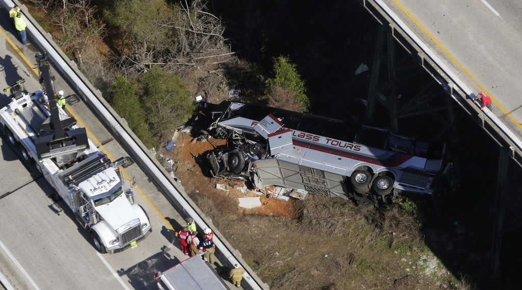 Image: Charter bus crash