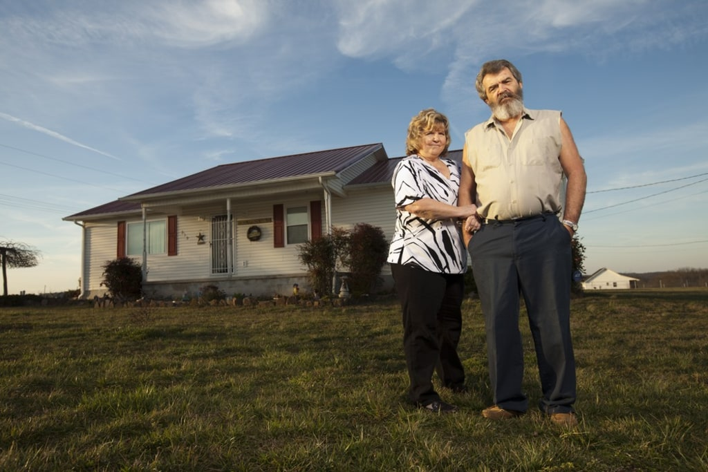 Homeowners battle banks to stop foreclosures     and win
