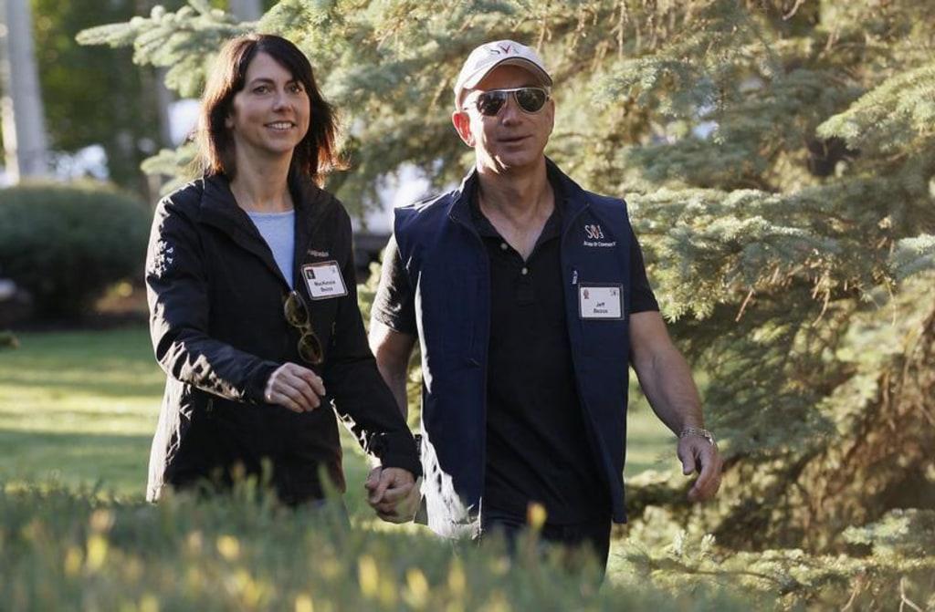 Jeff Bezos S Wife Amazon Slam New Book About Company Founder Nbc
