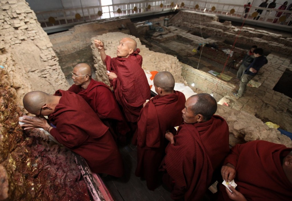 Image: Chanting monks