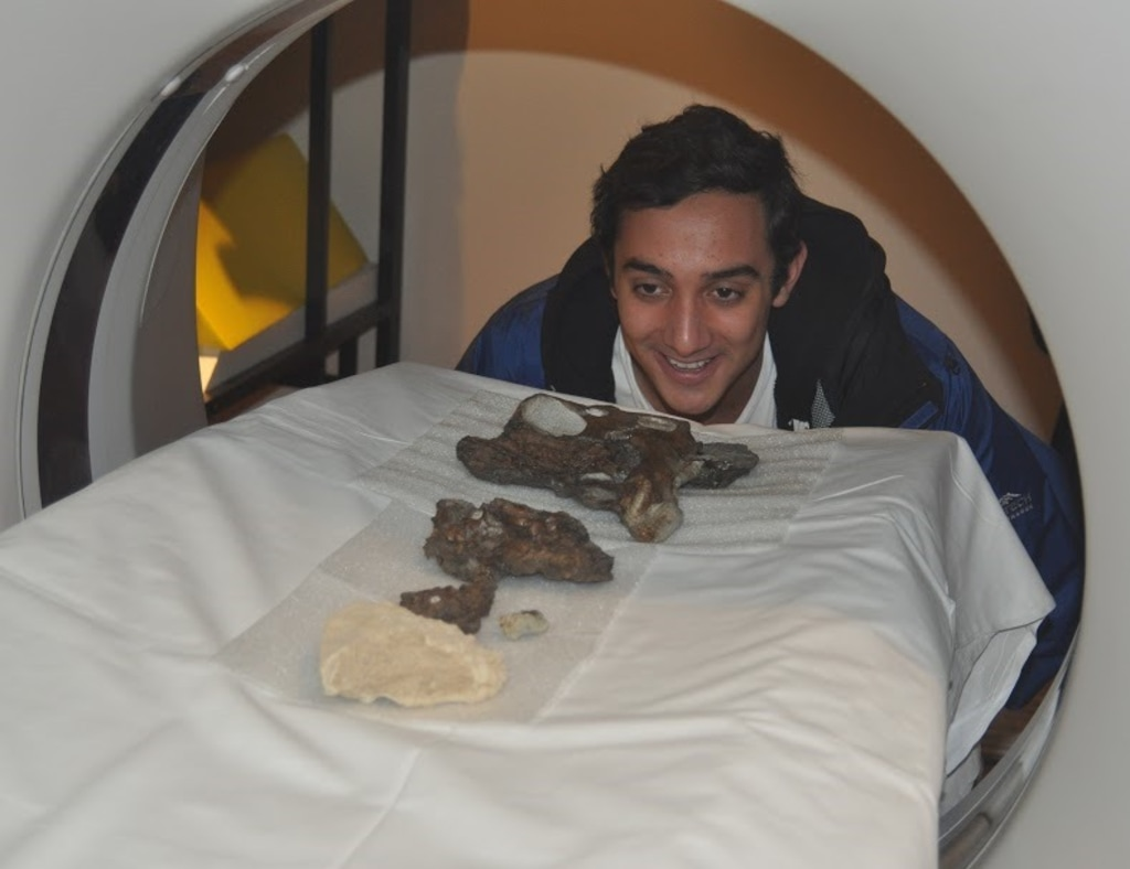 Image: Fossil scanning