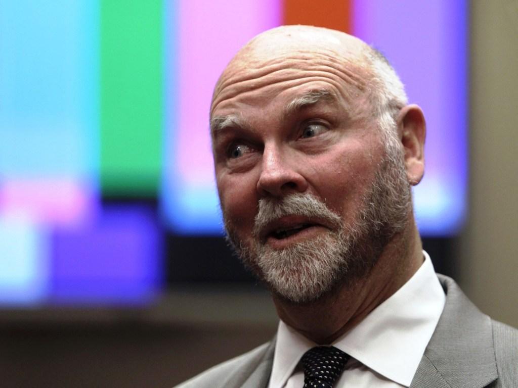Genomics pioneer Craig Venter warns about biohacker boo-boos - NBC News