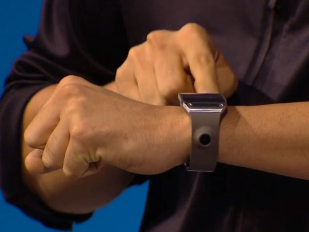 Galaxy Gear has a built-in 1.9-megapixel camera.