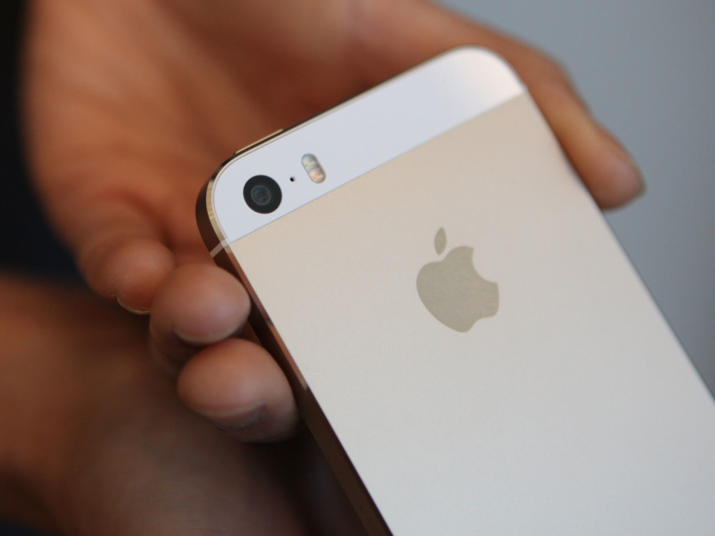 iPhone 5S camera and dual-LED flash