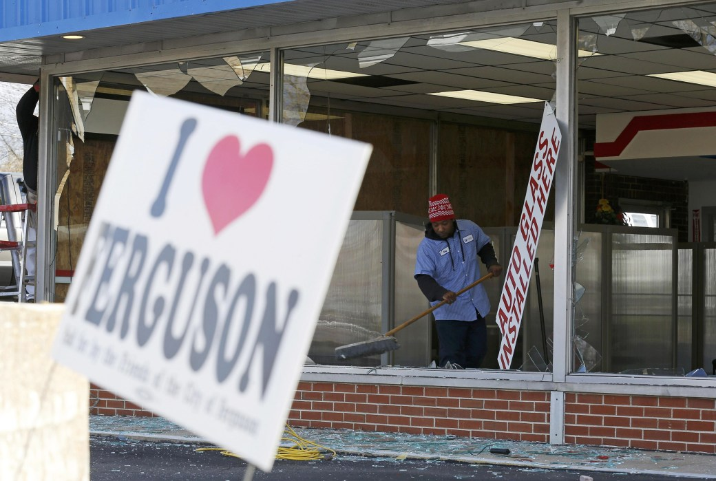 http://media2.s-nbcnews.com/j/MSNBC/Components/Slideshows/_production/ss-141125-feguson-business-damage/ss-141125-feguson-business-damage-06.nbcnews-ux-1040-700.jpg