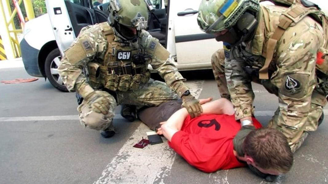 Franzose in der Ukraine festgenommen - Codierten Nachrichten auf der Spur Lon_ukrnart_160606.nbcnews-ux-1080-600
