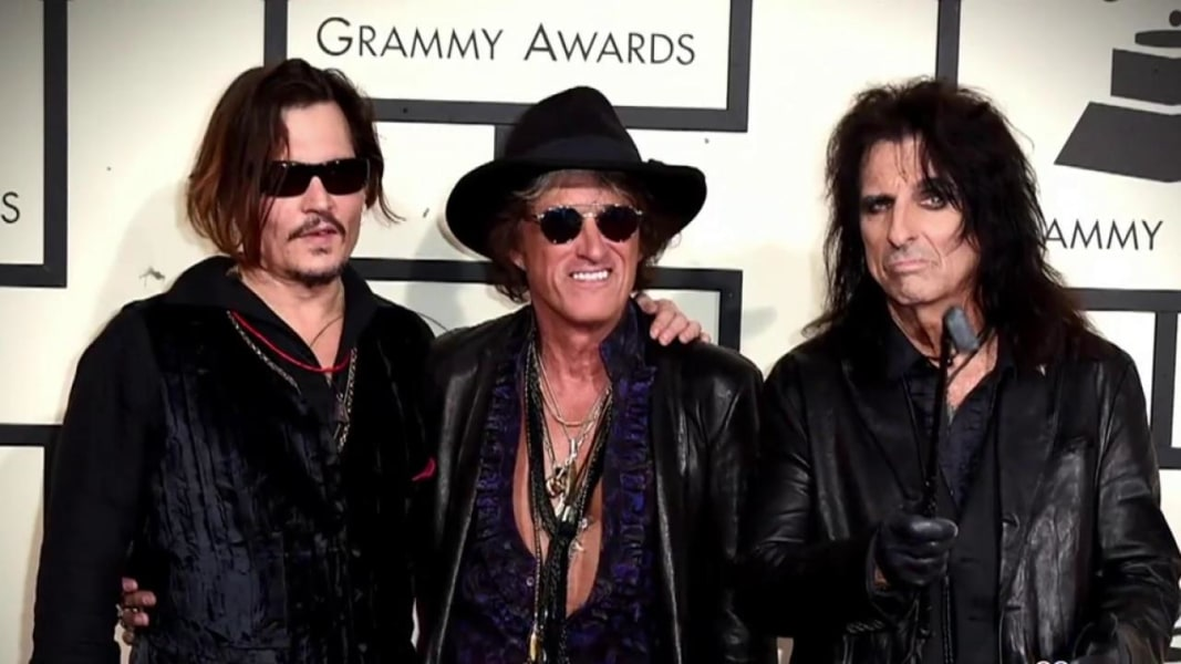 Aerosmith Guitarist Joe Perry Collapses On Stage In New