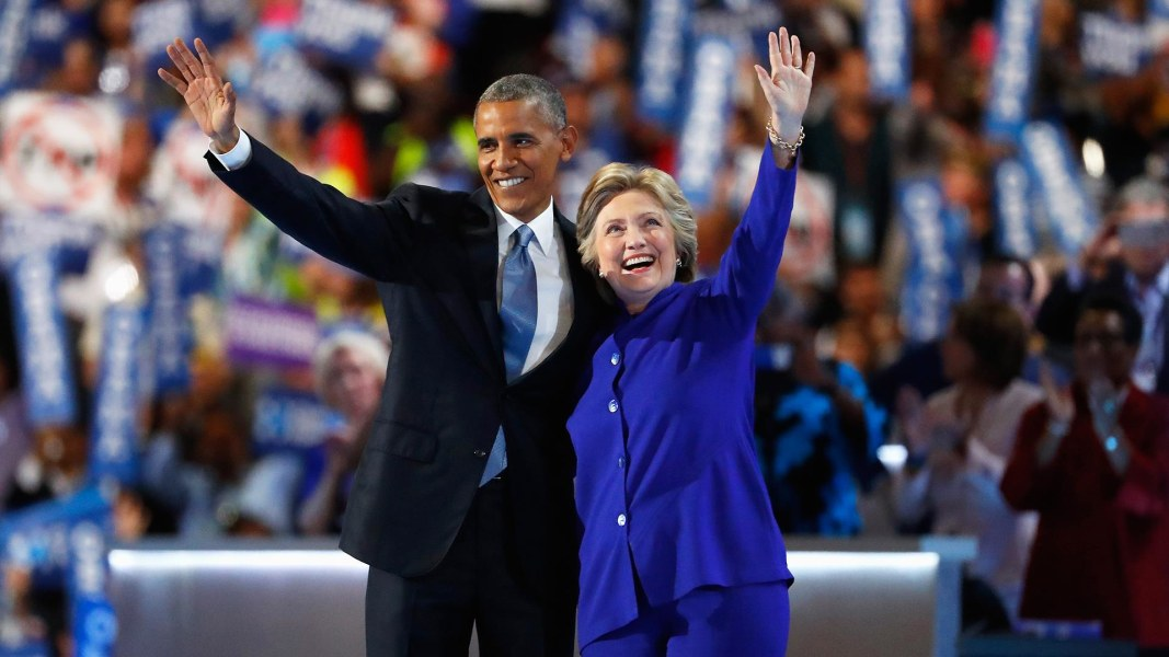 Resultado de imagem para pictures of obama with hillary clinton