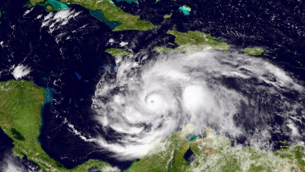Hurricane Matthew Strengthens as Florida Officials Urge Evacuations ...