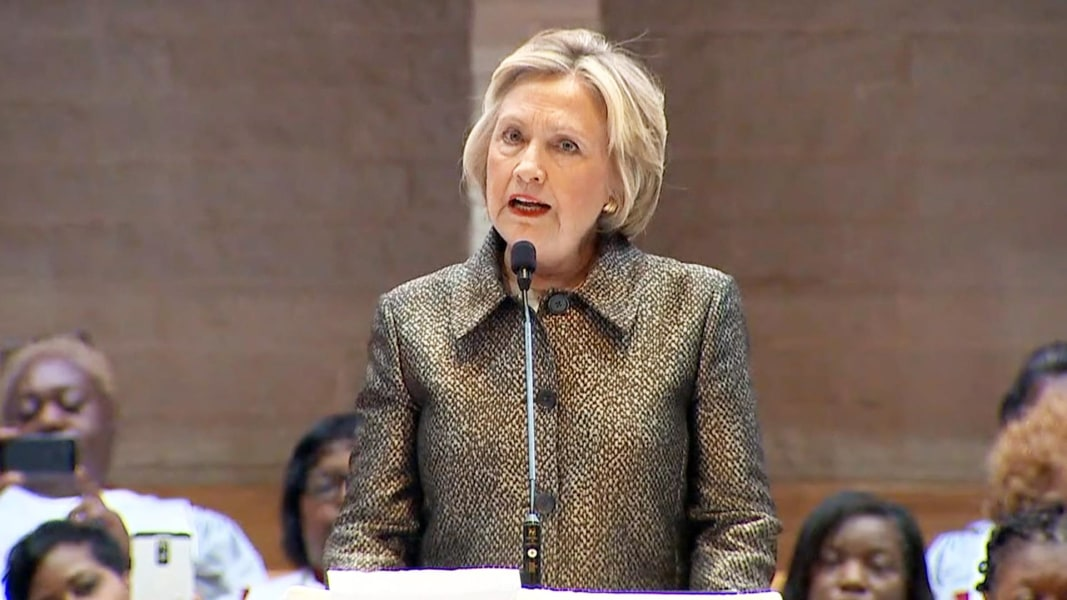video wake charlotte shooting clinton meets with black