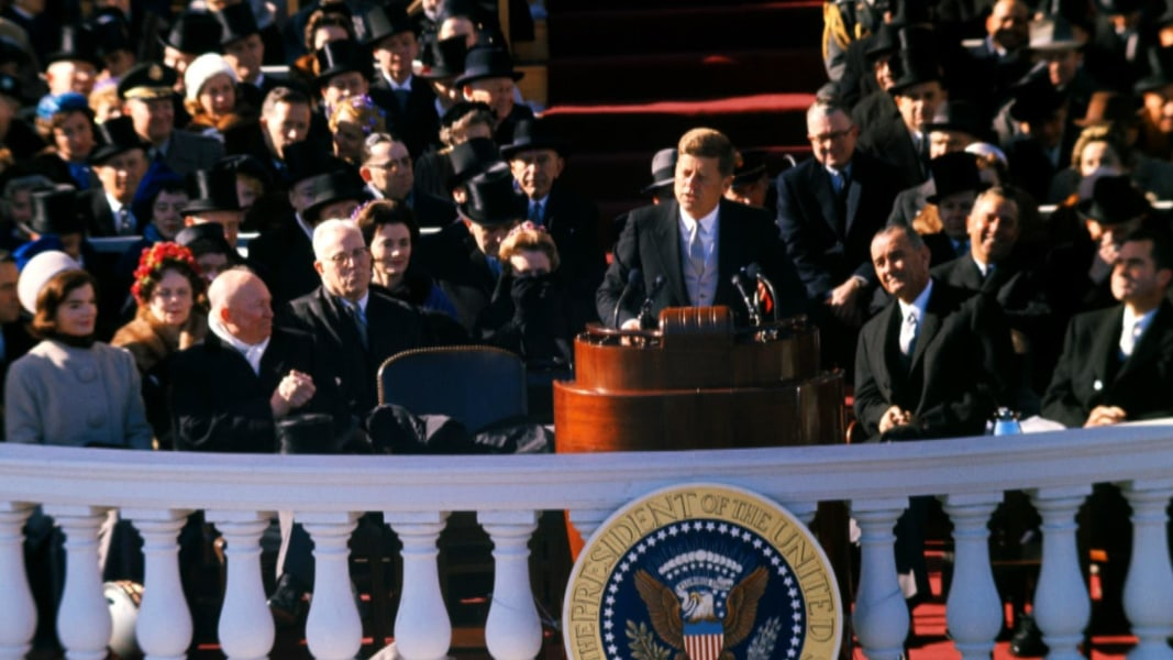 rhetorical analysis of president obamas inauguration speech Donald trump's inaugural speech a brief rhetorical analysis (by dr t hirsch) a   when we compare the inaugural speech by the new president, d trump, to  this  when thanking outgoing president obama, trump only thanks him for the.