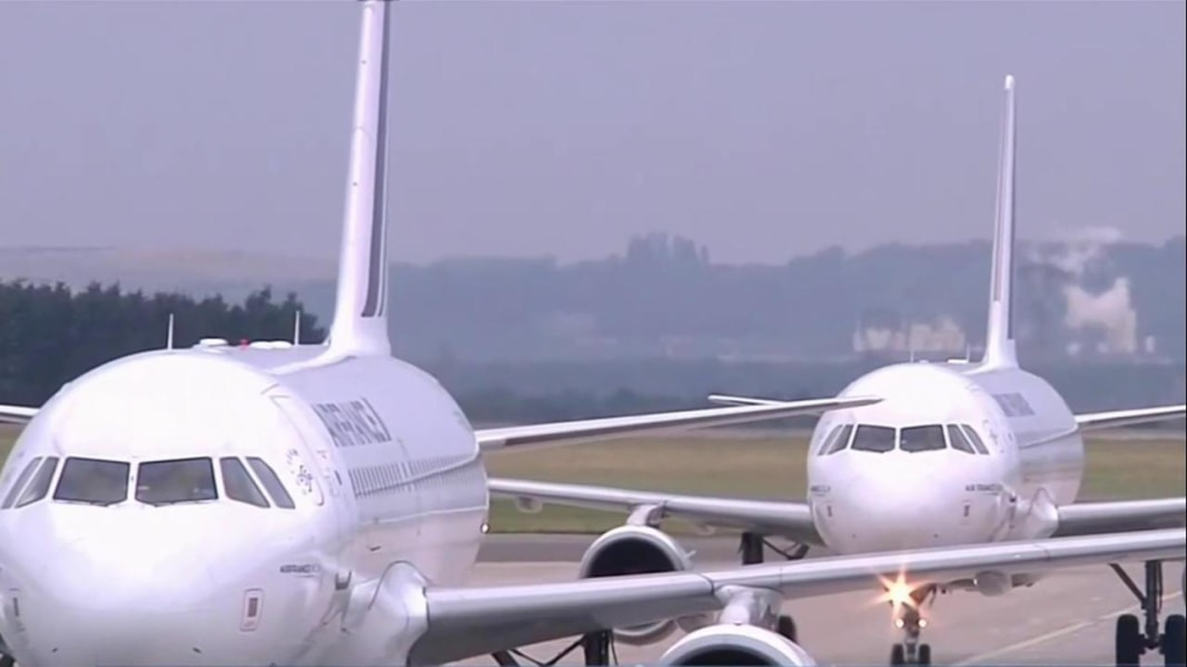 Royal troll: Middle Eastern airline Royal Jordanian pokes fun at laptop ban