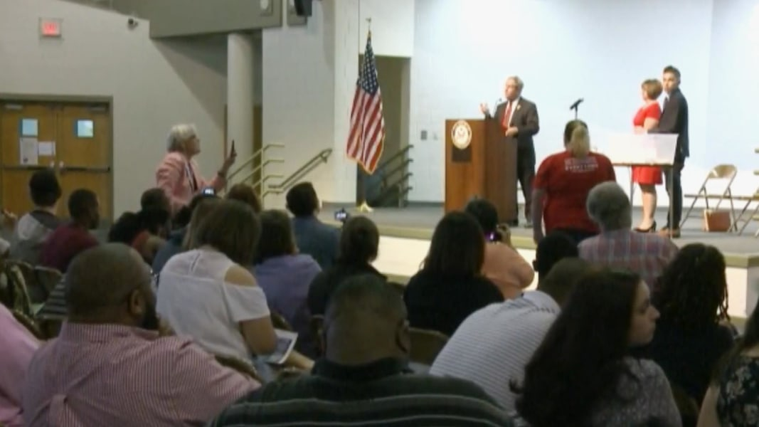 Town hall shouts 'You lie!' at Congressman Joe Wilson