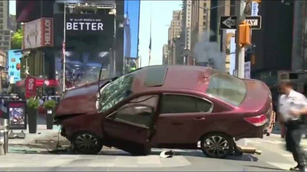 Dead After Car Slams Into New York Pedestrians