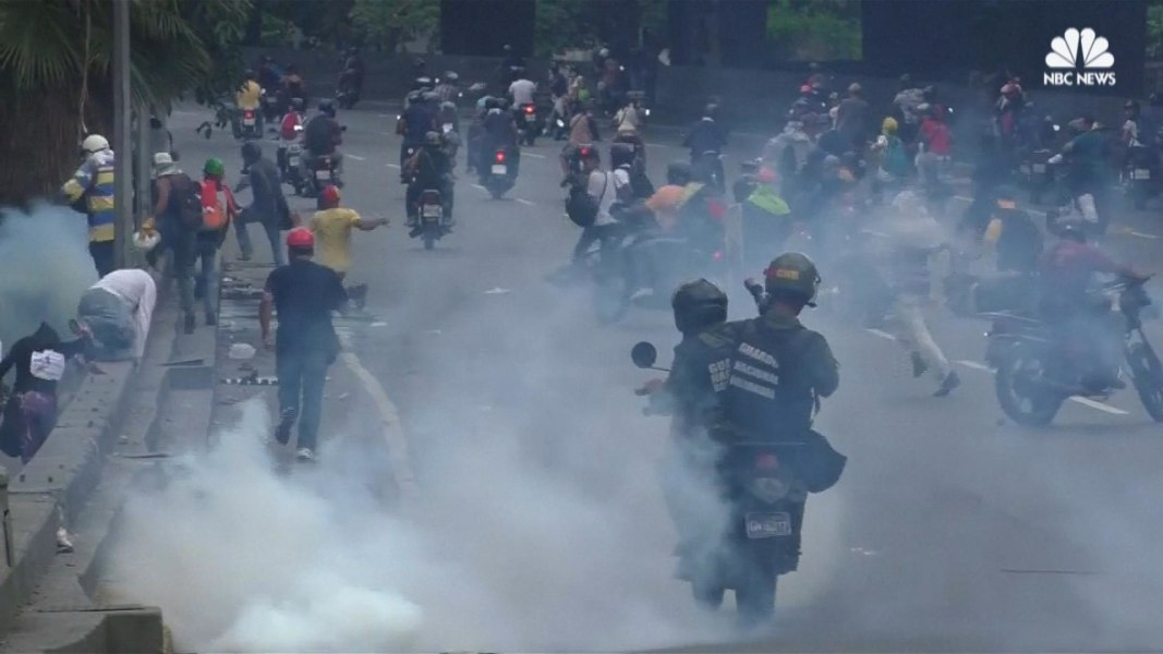 2 more protesters die as anti-Maduro violence rage in western Venezuela
