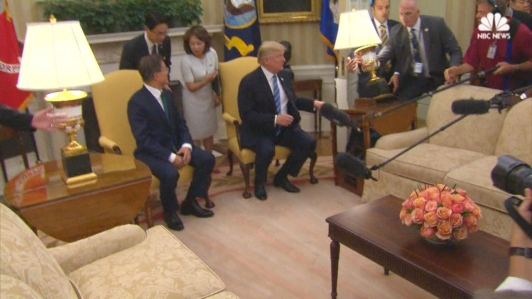 oval office furniture. Oval Office Furniture Endearing Press Knocks Over During South Korean 2017