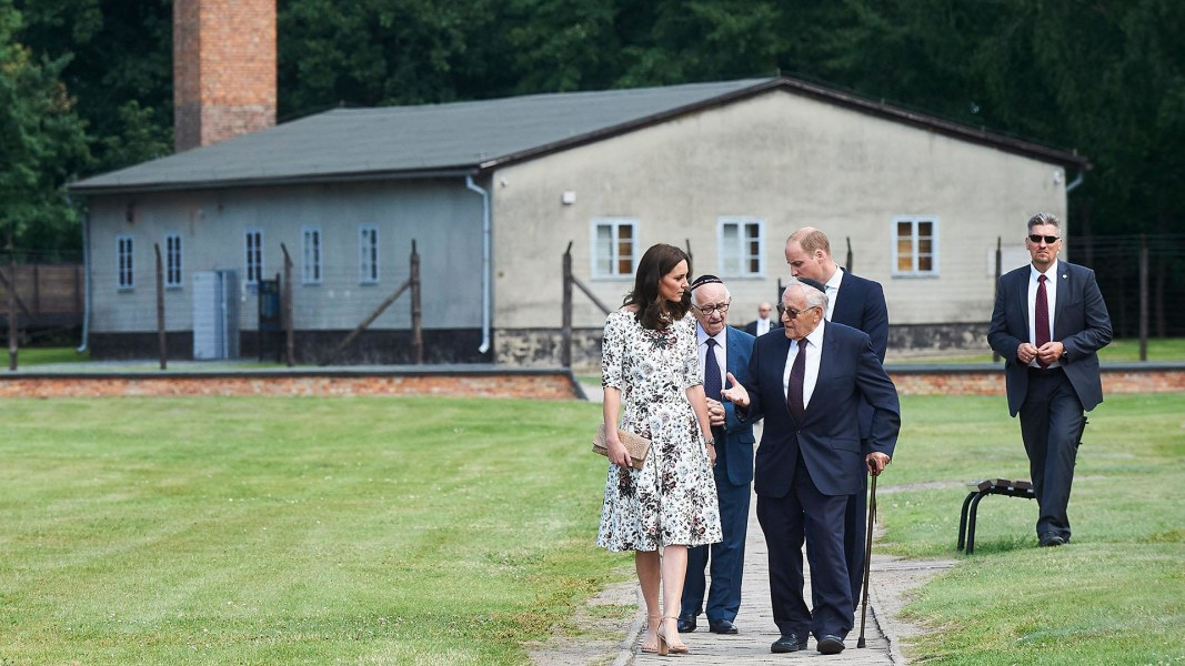 Royals meet Holocaust survivors