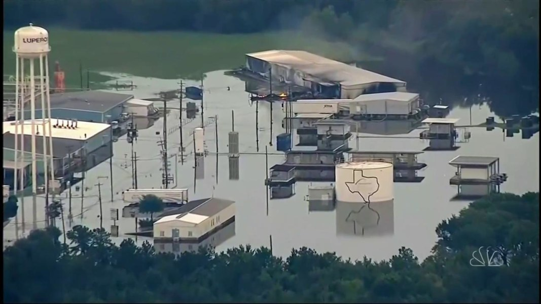 Plant Chemical Components : Explosions smoke reported at chemical plant outside
