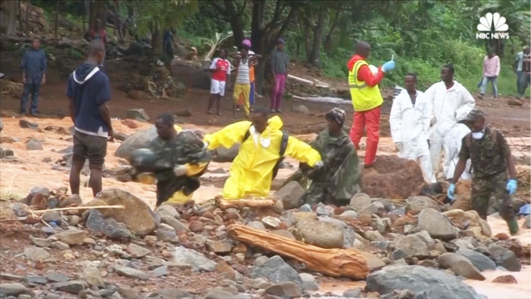 Sierra Leone mudslide: Nearly 400 bodies recovered