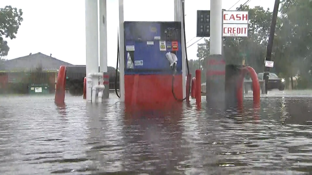Gasoline pipeline in Atlanta temporarily suspends operations due to Hurricane Harvey
