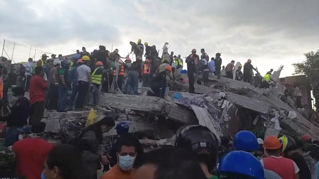 Search continues for quake  survivors in Mexico