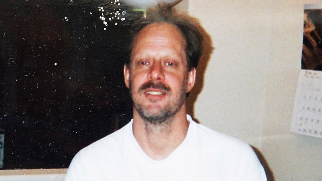 Las Vegas shooter booked rooms near Lollapalooza