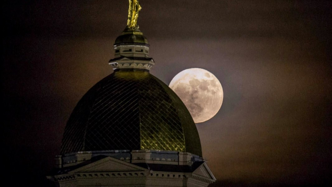 Supermoon Brightens The Nighttime Sky Nbc News