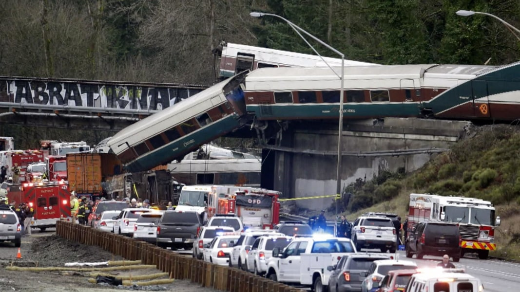 Most of Amtrak train wreckage removed from Washington highway