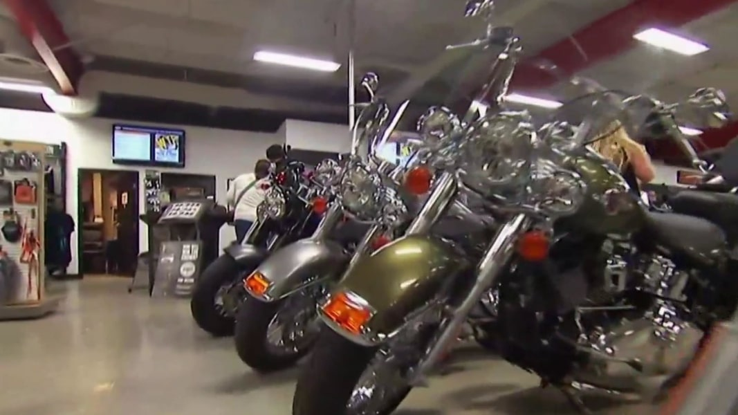 harley davidson says new tariffs will impact sales and costs nbc news. Black Bedroom Furniture Sets. Home Design Ideas