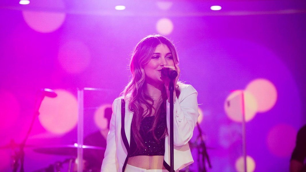 See Elle Winter perform her new song 'One More' live on TODAY
