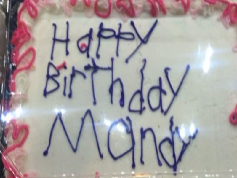 Cake Decorated By Girl With Autism : Birthday Cake Decorated by Employee With Autism Goes Viral ...