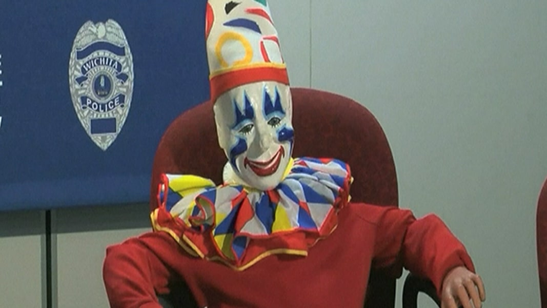 clown found in sex offenders house in Augusta