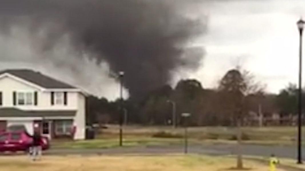 Watch Tornado Touch Down In Georgia Neighborhood Nbc News