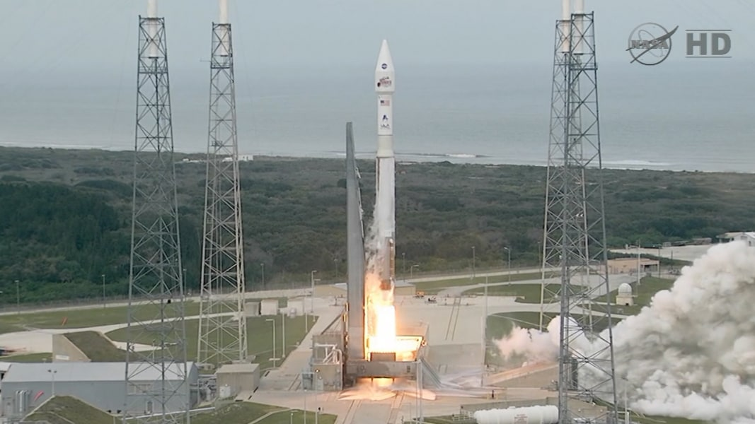 NASA launches Maven orbiter to probe mysteries in Mars ...