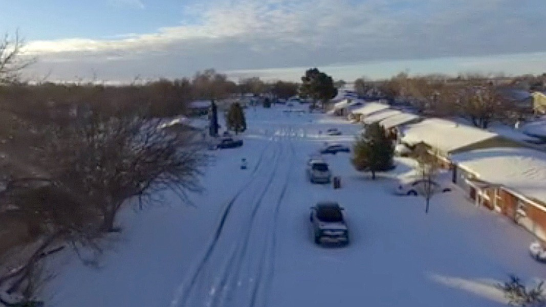 Storm Drops 20 Inches of Snow on Roswell - NBC News