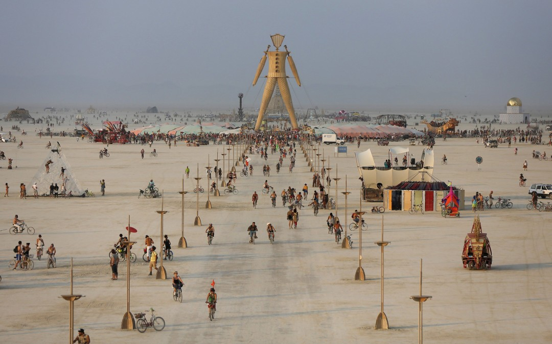 ss-140830-burning-man-01.nbcnews-ux-1080